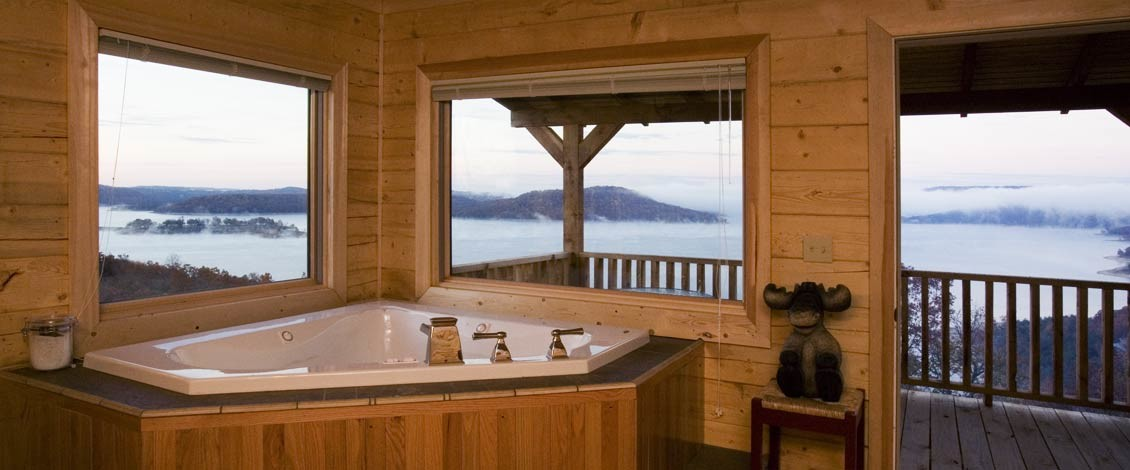 Family cabin master bath tub